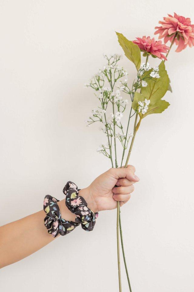 TTR Scrunchie (Black Florals)